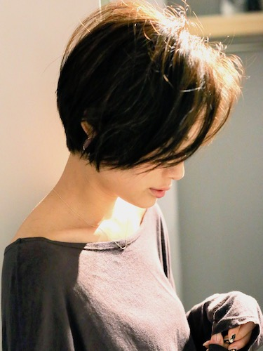冬のショートヘア《前髪なし》4