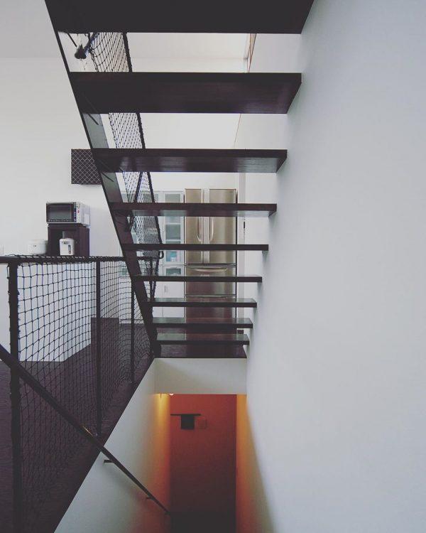 階段がお洒落な住まいのインテリア2