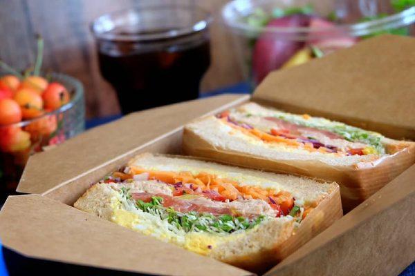 インスタ映えの定番わんぱくサンドイッチ
