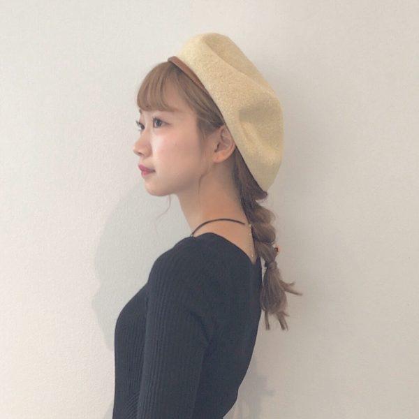 ベレー帽に似合うロングヘアアレンジ【秋冬】4