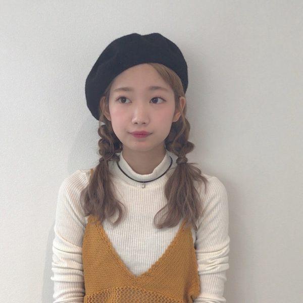ベレー帽に似合うロングヘアアレンジ【秋冬】6