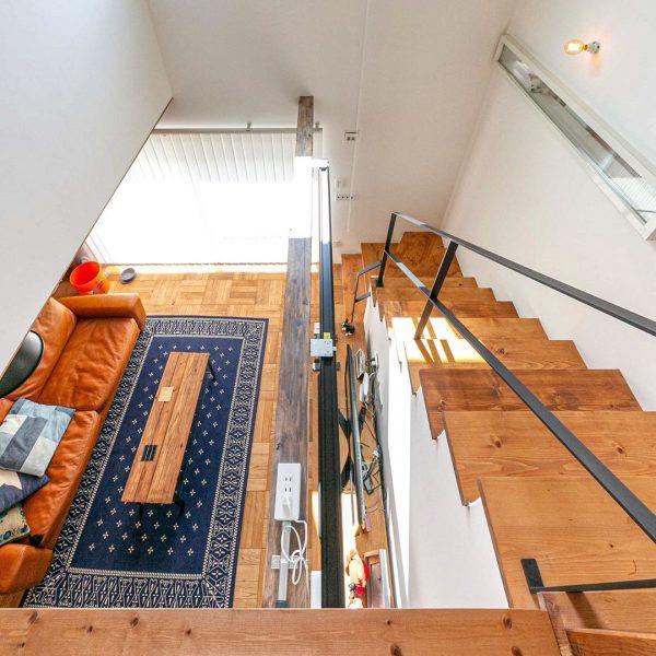 階段がお洒落な住まいのインテリア11