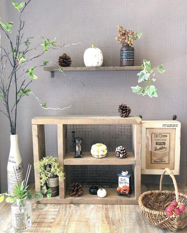 DIY棚に並べる小さなハロウィングッズ