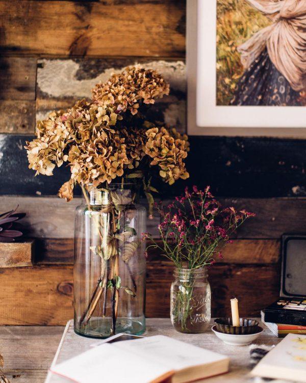 生花とドライを一緒に飾る