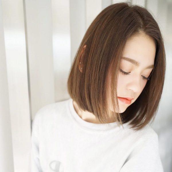 きれいめストレートのかきあげ前髪