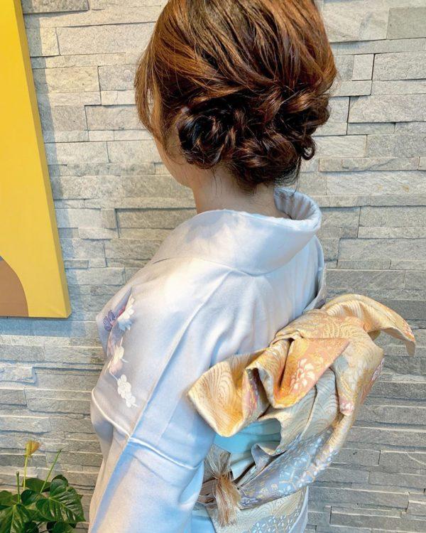 留袖に似合う50代女性の髪型《セミロング》4
