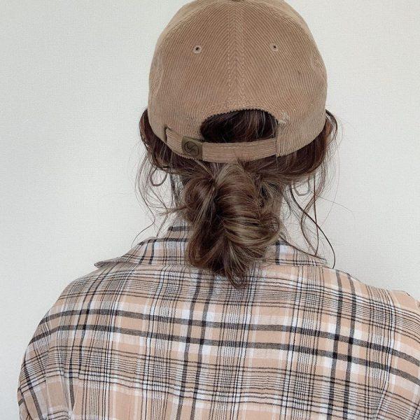 帽子に合う低めアレンジ〈ロング×お団子ヘア〉