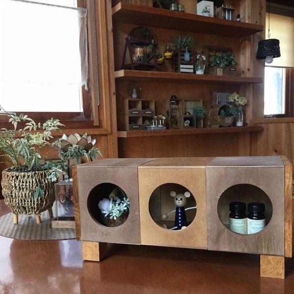 コーヒースタンドで作るおしゃれな小物飾り棚