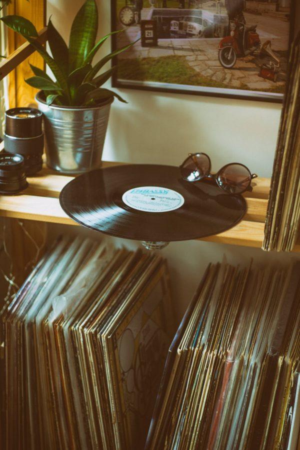 レコードを飾るおしゃれなアイデア【棚】6