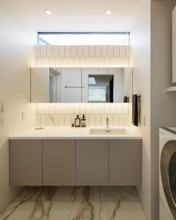 採光&照明のセンスが抜群な洗面所