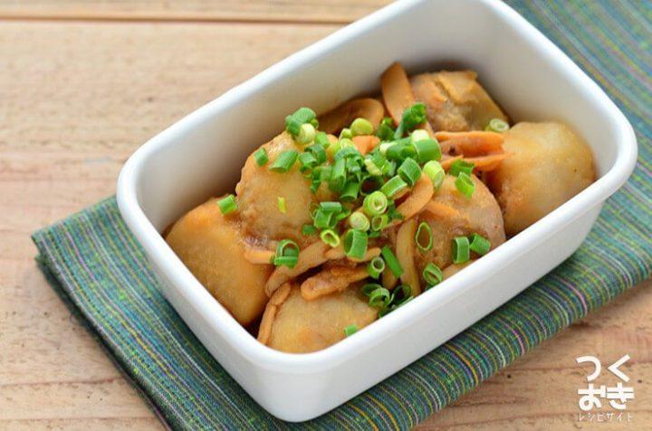 絶品レシピ。里芋とイカくんの煮物
