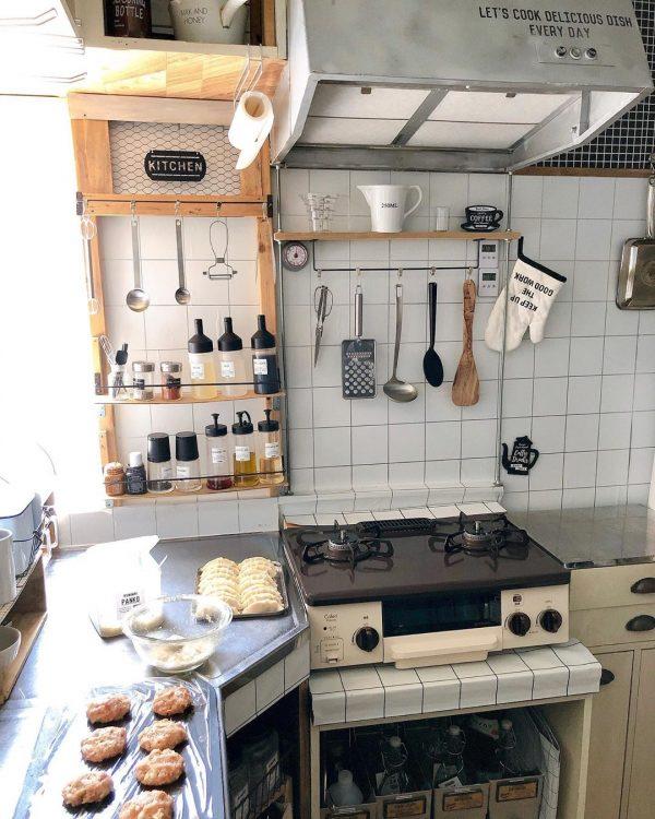 調味料やキッチンツール収納をDIY