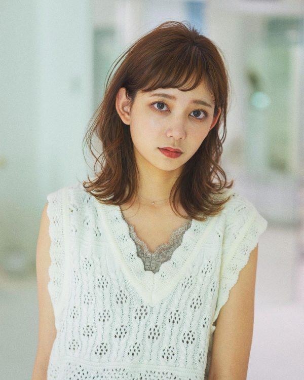 40代くせ毛×ミディアム髪型【前髪あり】2