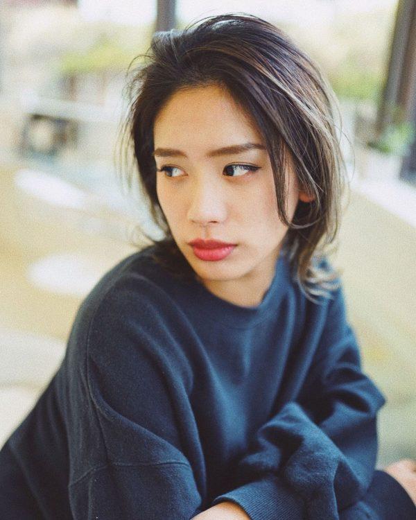 40代くせ毛×ミディアム髪型【前髪なし】3