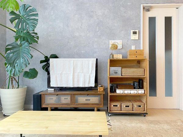 レトロテイストなテレビボードとコラボ