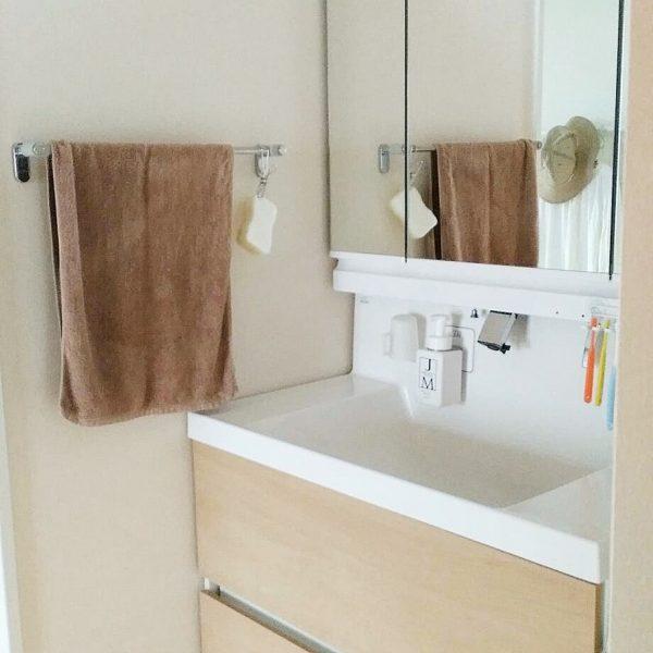 洗面台周りはすっきりとさせてお掃除しやすく