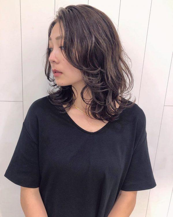 40代くせ毛×ミディアム髪型【前髪なし】5