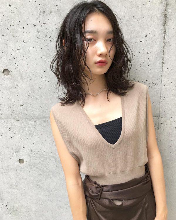 40代くせ毛×ミディアム髪型【前髪なし】