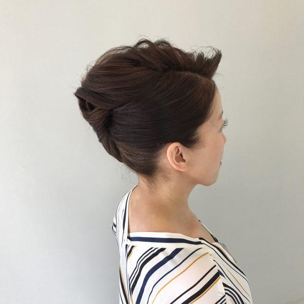 留袖に似合う50代女性の髪型《セミロング》
