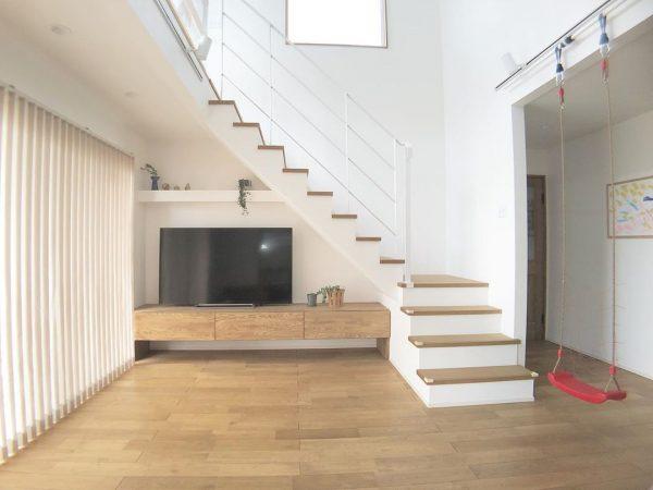 階段がお洒落な住まいのインテリア14
