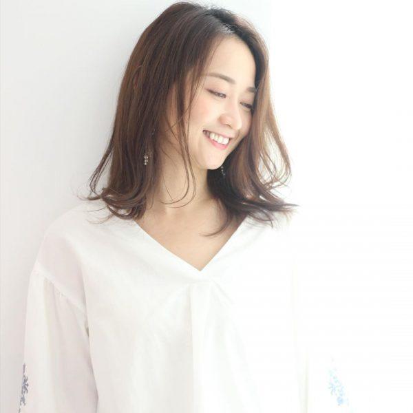 40代くせ毛×ミディアム髪型【前髪なし】2