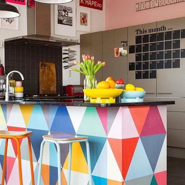 幾何学模様がおしゃれなキッチンカウンター15