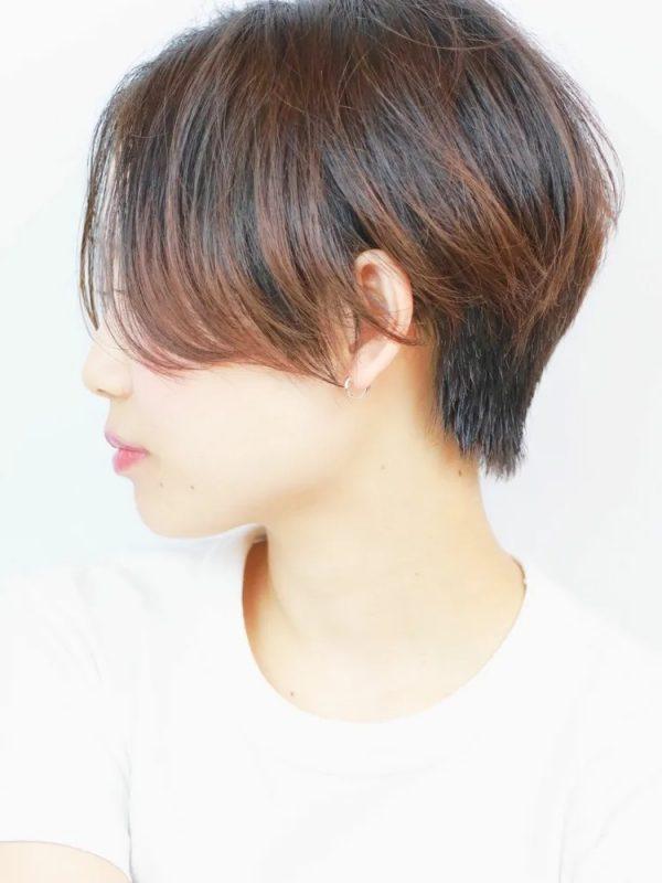 動きが分かりやすい長め前髪×ベリーショート