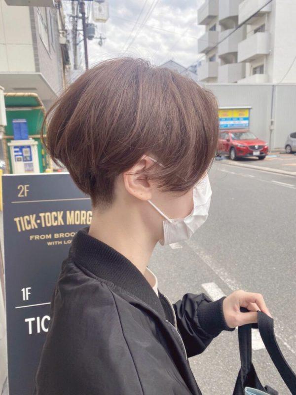 長め前髪が色っぽい刈り上げハンサムショート