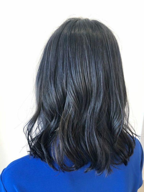黒に近いおすすめの髪色《ブルー系》3