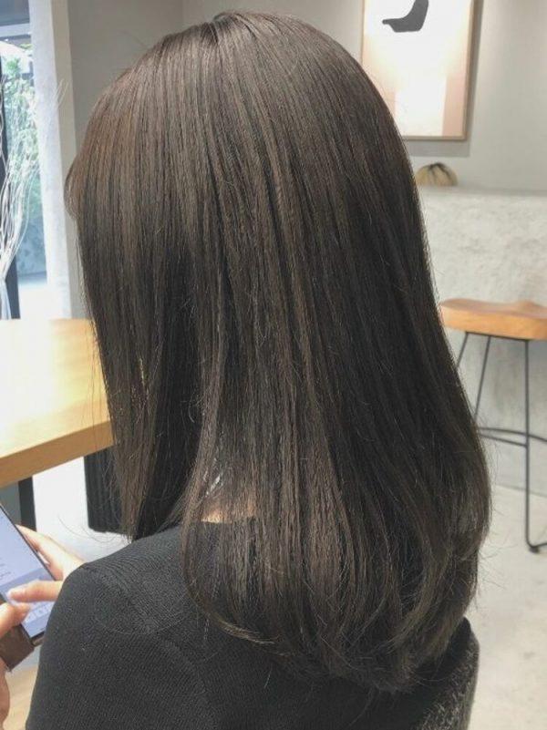 黒に近いおすすめの髪色《グレージュ系》3