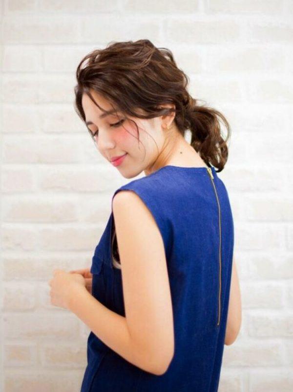 40代女性×波ウェーブの前髪なしポニー