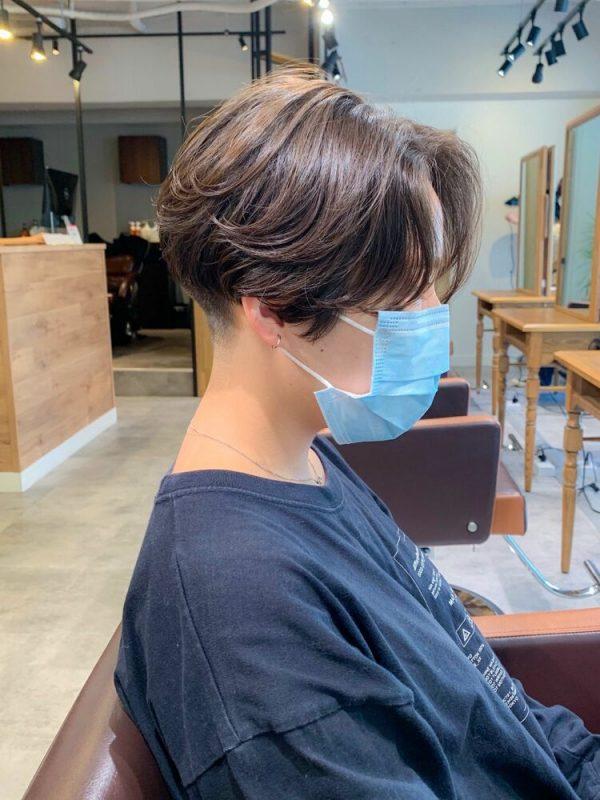 かき上げ前髪が◎刈り上げハンサムショート