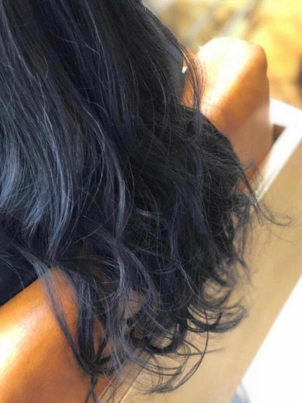 黒に近いおすすめの髪色《ブルー系》