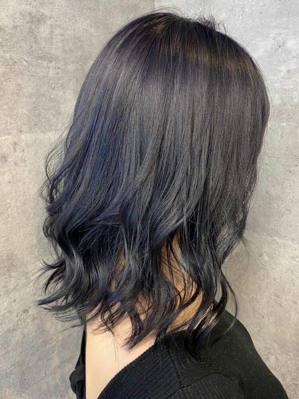 黒に近いおすすめの髪色《アッシュ系》3