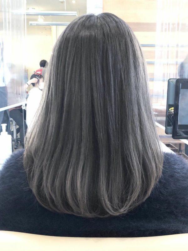 黒に近いおすすめの髪色《グレージュ系》