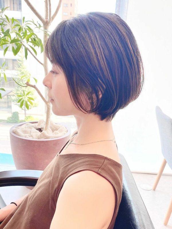 落ち着きのある前髪ありのボブヘア