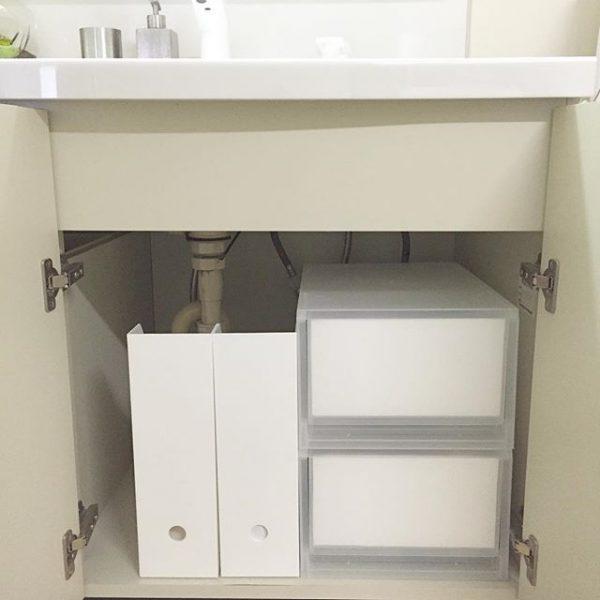 ファイルボックスの細さをいかした洗面所収納