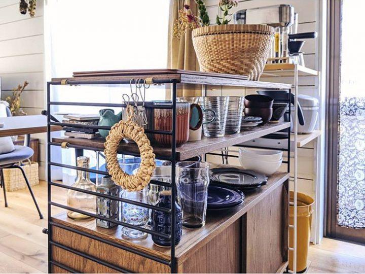 こだわりのダイニングテーブルと、カウンターがわりの食器棚ghm,