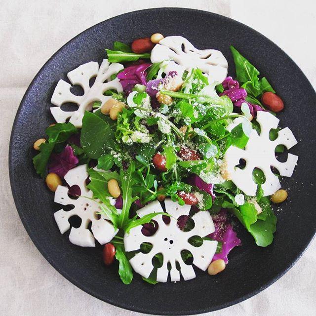 飾り切りで美しい雪輪レンコンのサラダ