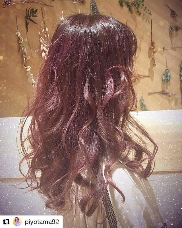 大人っぽい寒色系混じりのピンクヘア