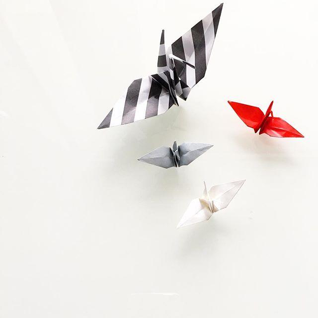 おしゃれに飾り付ける折り鶴