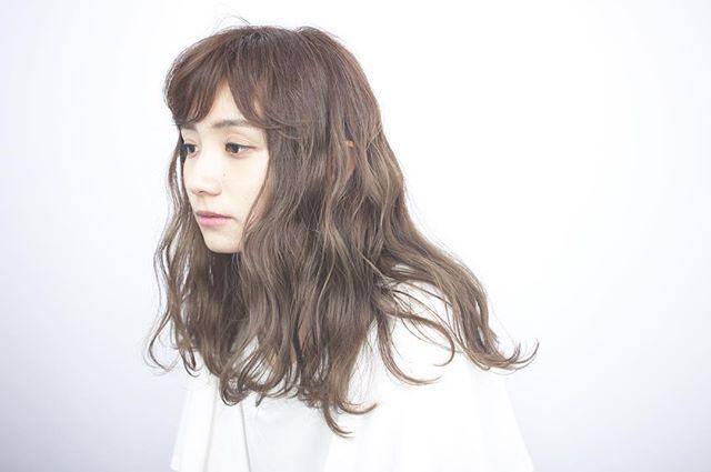 色白女性(イエベ)×オリーブ系カラー①