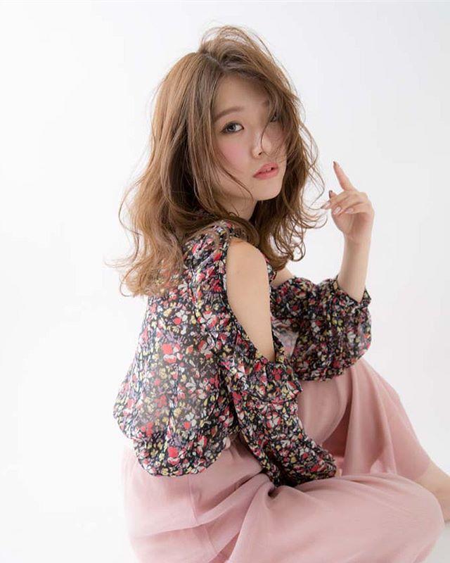 色っぽいミディアムの髪型【パーマ】3