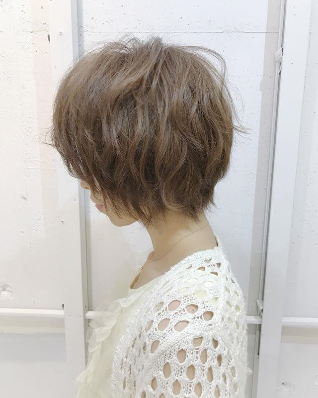 外国人風ハイトーンショートヘア