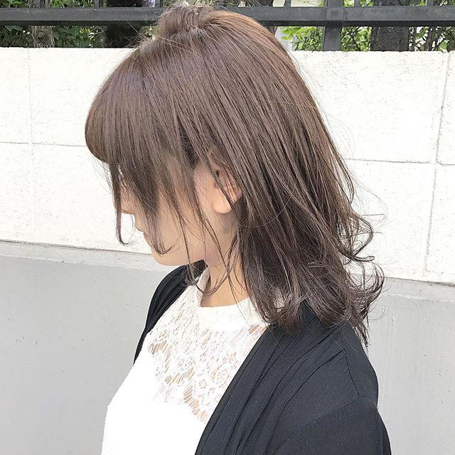 髪の毛を伸ばしたいけど切りたい《ミディアム》
