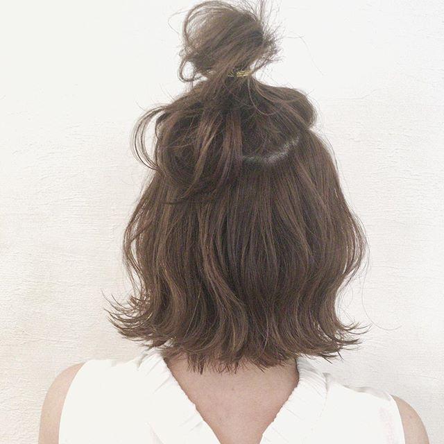 ラフさが可愛いワンピースに似合う髪型