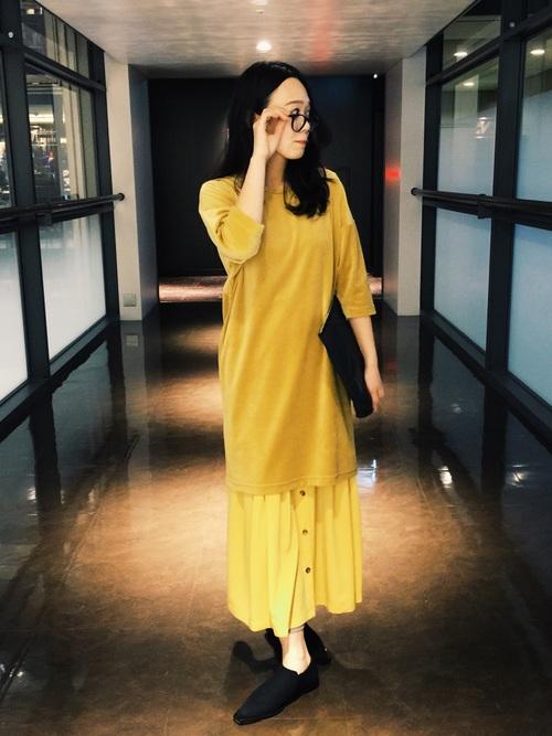 黄色ベロアワンピース×スカート