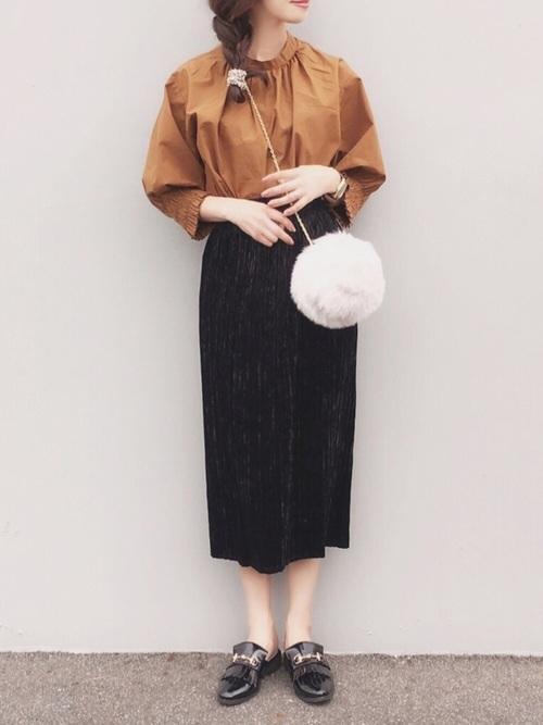 黒ベロアスカート×ファーバッグ