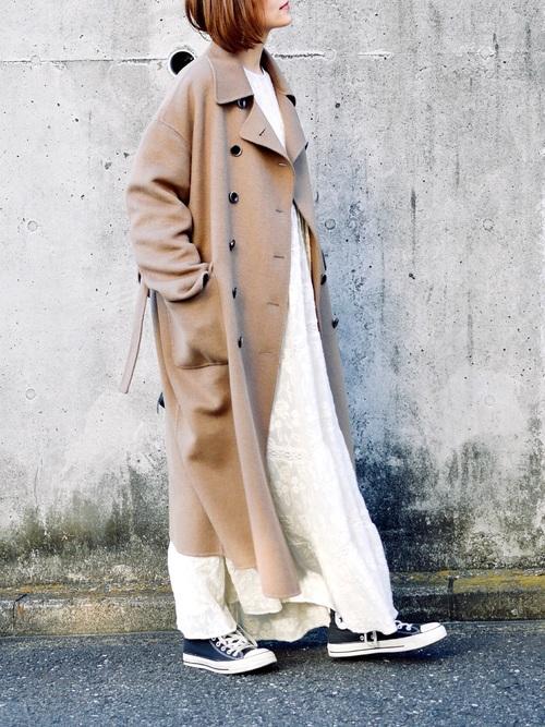 ショートヘアに似合う冬の服装|ワンピース7