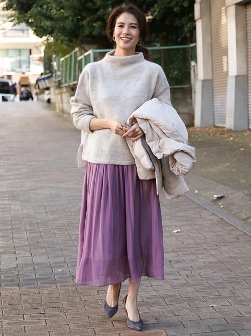 グレーニット×紫ロングスカート